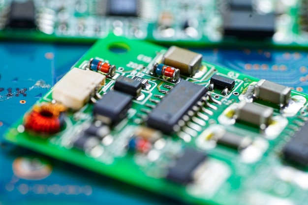 Circuit informatique processeur électronique de la puce de la carte mère. Photo Premium