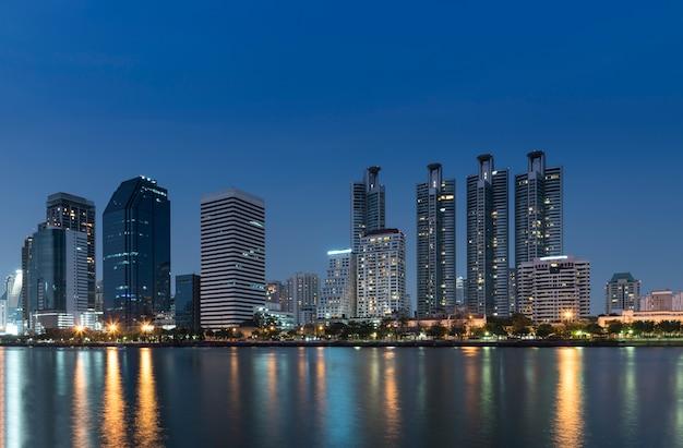 Cityscape bangkok vue de nuit Photo gratuit