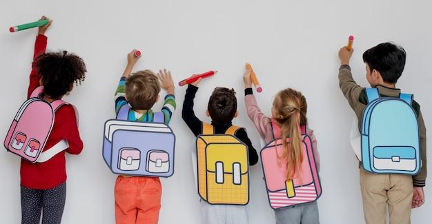 Classmates friends bag education scolaire Photo Premium