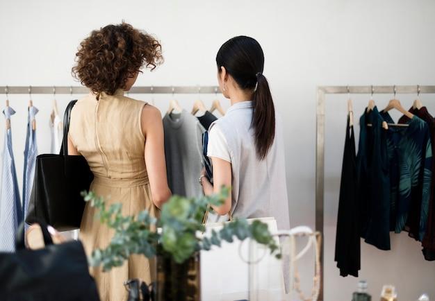 Les clients choisissent le tissu du rack Photo Premium