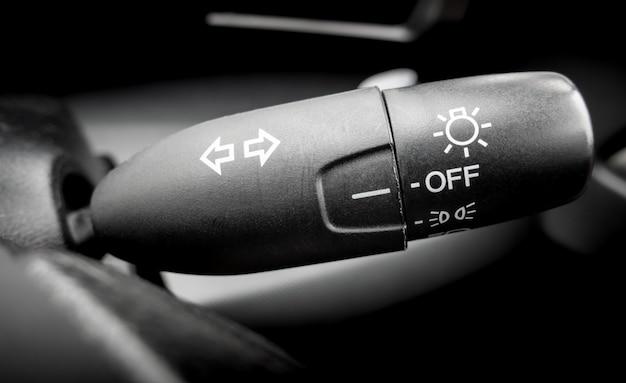 Clignotant de voiture et bouton-poussoir de phare Photo Premium