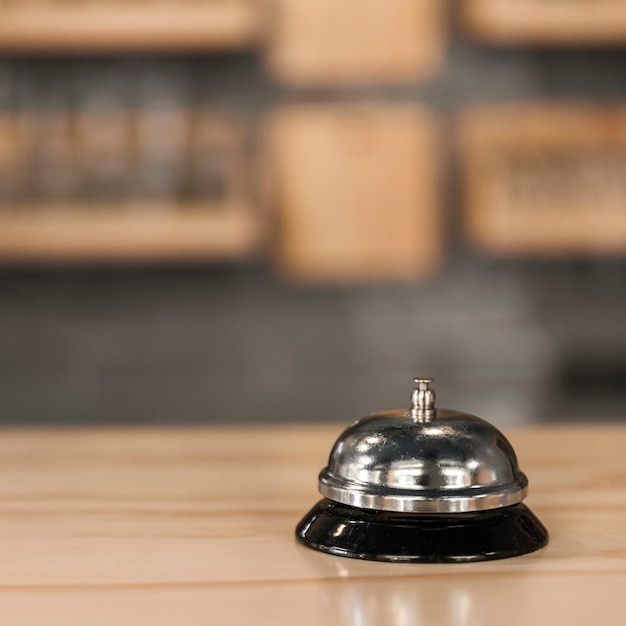 Cloche de service dans le café Photo gratuit