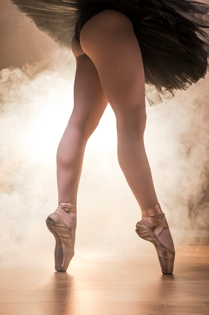 Close up fit jambes de ballerine Photo gratuit