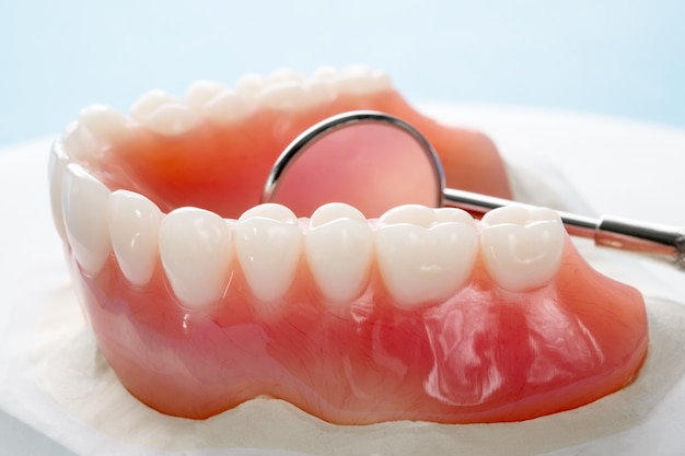 Close up, prothèse complète ou complète Photo Premium