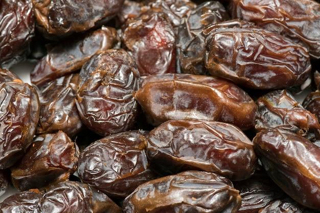 Closeup portion de dates sèches Photo Premium