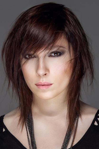 Closeup portrait de coiffure féminine Photo Premium