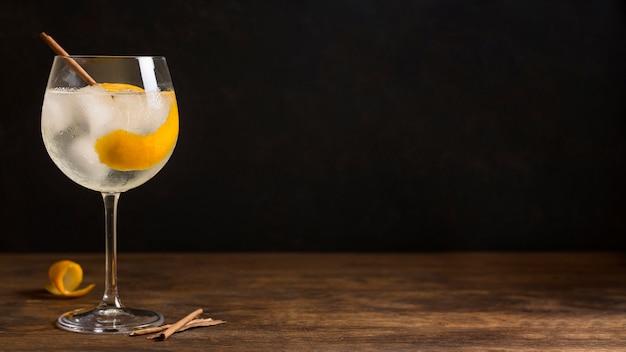 Cocktail Alcoolisé Avec Espace Copie Photo gratuit
