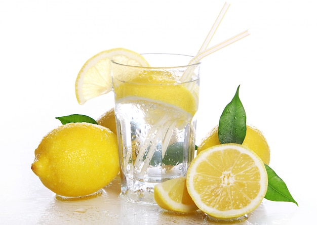 Cocktail Aux Citrons Frais Photo gratuit