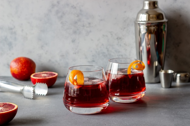 Cocktail Negroni. Amer, Gin, Vermouth, Glace. Bar ...