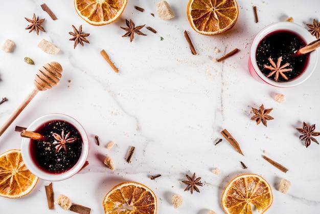 Cocktail de vin chaud aux épices Photo Premium
