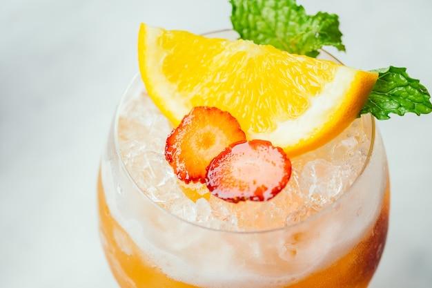 Les cocktails de glace boivent Photo gratuit