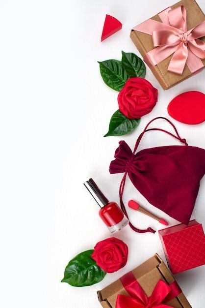 Coffret cadeau emballage accessoires femme cosmétique Photo Premium