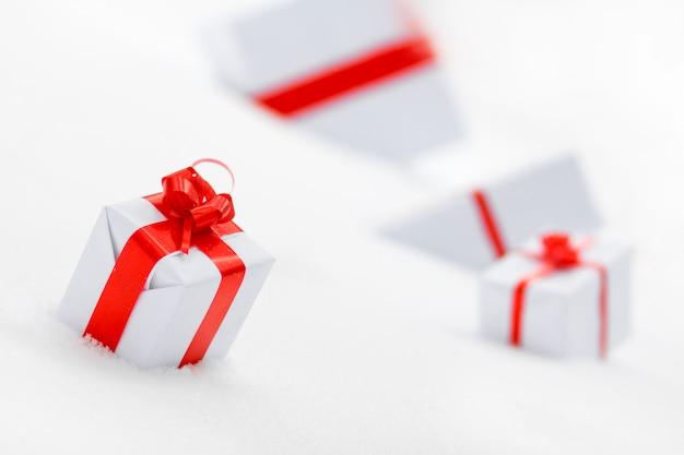 Coffrets Cadeaux Décoratifs Blancs Photo Premium