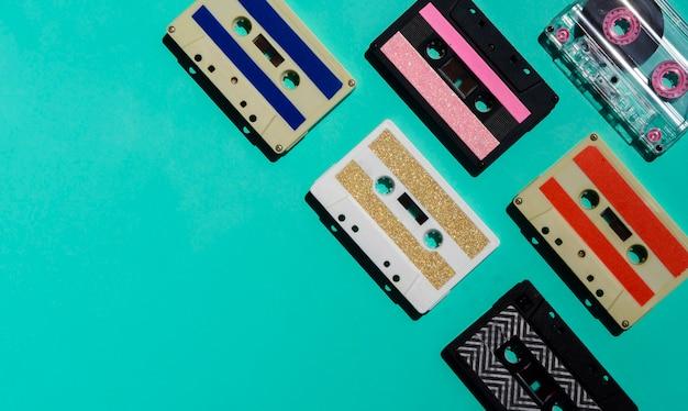 Collection de bandes colorées sur fond clair Photo gratuit