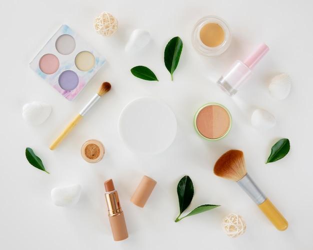 Collection De Produits De Maquillage Photo gratuit