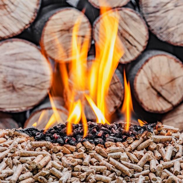 Combustion De Pellets De Bois Photo Premium