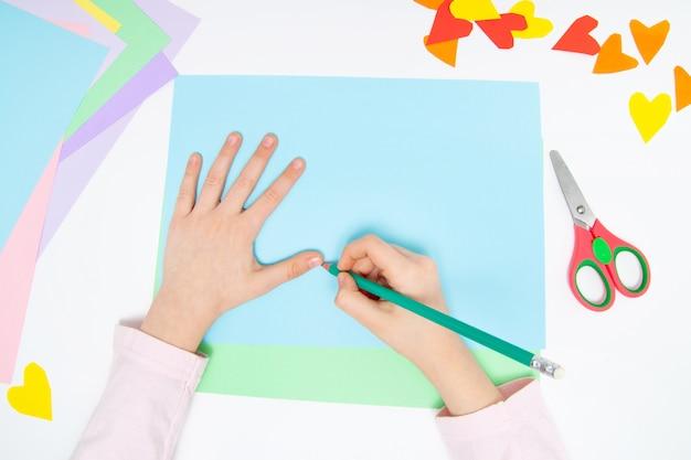 Comment faire du lapin en papier pour les salutations de pâques et le plaisir Photo Premium