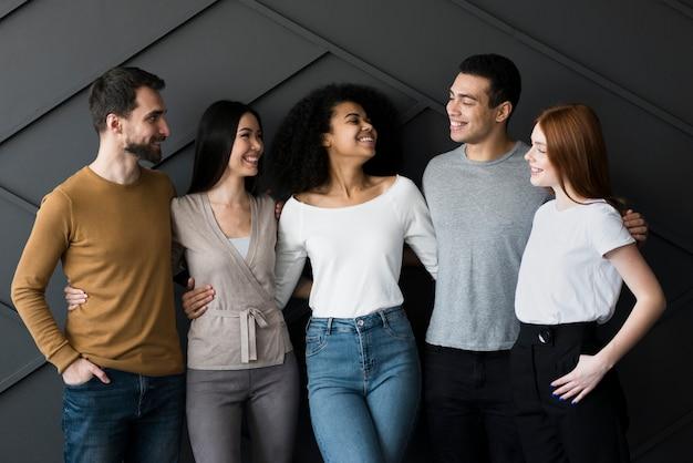 Communauté De Jeunes Unis Photo gratuit