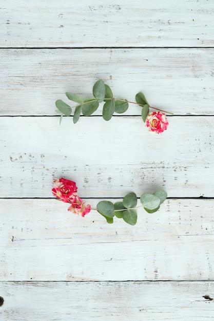 Composition Avec De Belles Fleurs Photo gratuit
