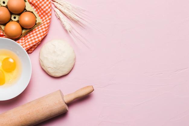 Composition de boulangerie à plat avec fond Photo gratuit