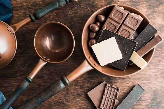 Composition de chocolat délicieux Photo gratuit