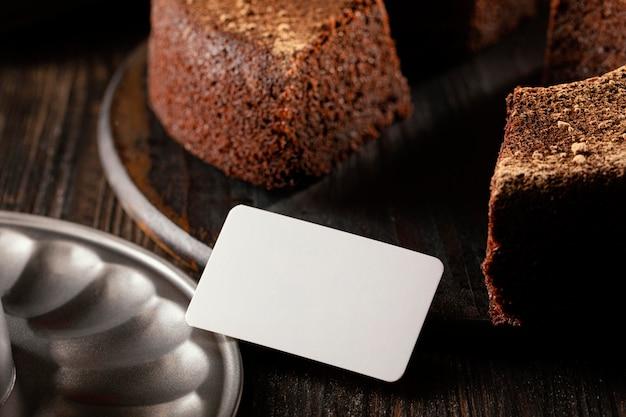 Composition De Délicieux Gâteau Au Chocolat Photo Premium