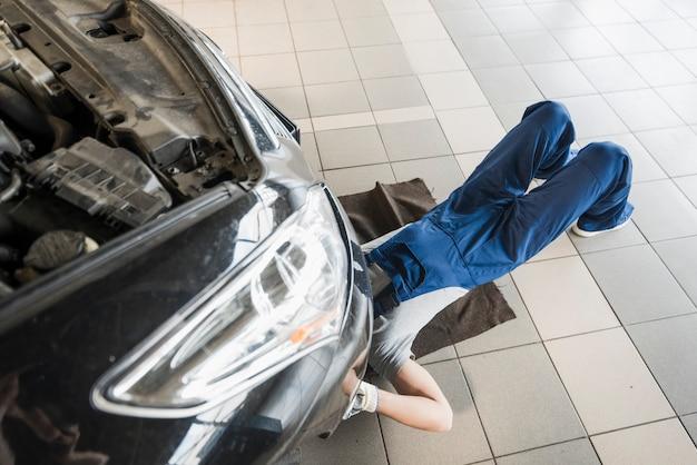 Composition de l'entreprise de réparation automobile Photo gratuit