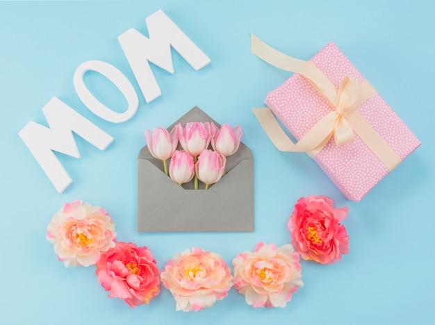 Composition de la fête des mères Photo gratuit