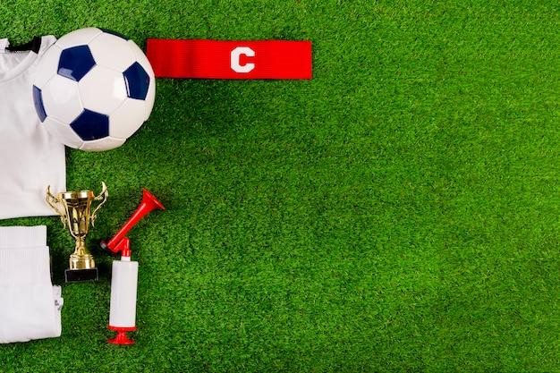 Composition de football avec fond Photo gratuit