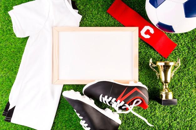 Composition de football avec tableau blanc Photo gratuit