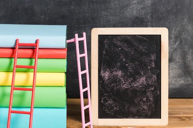 Composition, De, Livres, à, échelle, Près, Tableau Photo gratuit