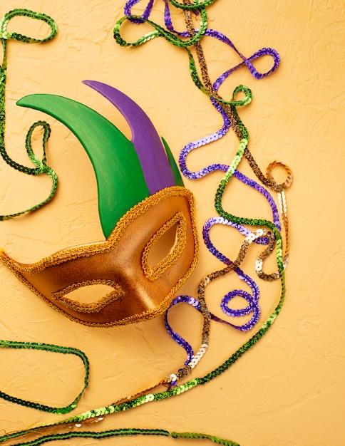 Composition De Mardi Gras Avec Masque De Carnaval Photo Premium