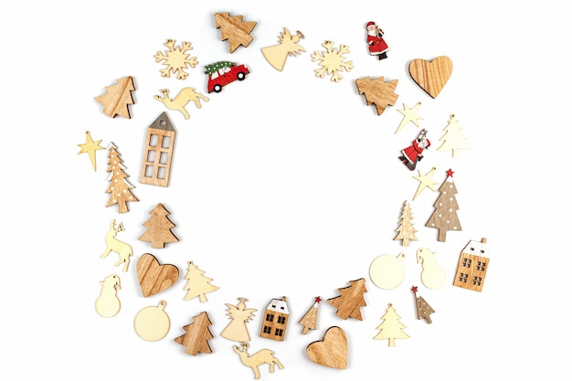 Composition De Noël Avec Des Décorations De Noël Sur Fond Blanc Photo Premium
