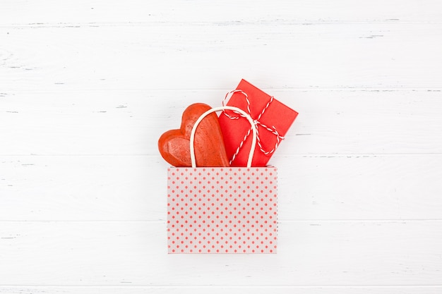 Composition romantique de la saint-valentin Photo Premium