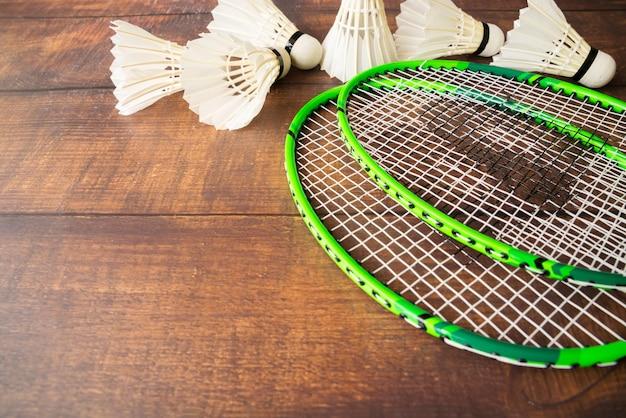 Composition de sport avec des éléments de badminton Photo gratuit