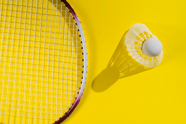 Composition de sport moderne avec des éléments de badminton Photo gratuit