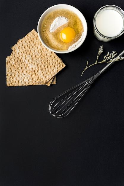 Concept D'aliments Sains Avec Des œufs Et Des Craquelins Photo gratuit