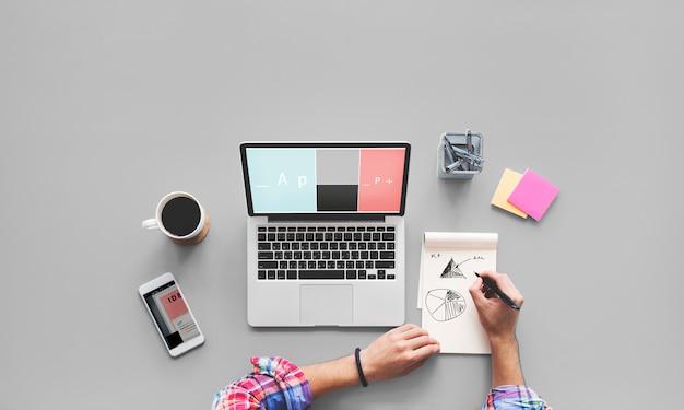 Concept de bureau de travail ordinateur portable dessin Photo Premium
