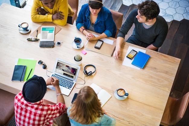 Concept De Café De Travail De Bureau De Planification D'idées De Créativité Photo Premium
