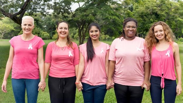 Concept de charité pour le soutien du cancer du sein Photo Premium