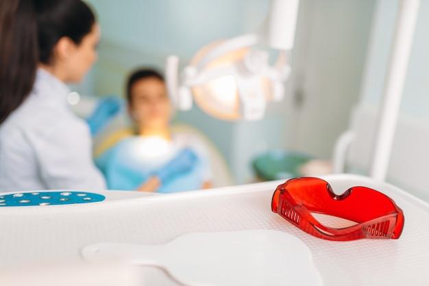 Concept De Dentisterie Pédiatrique, Stomatologie Des Enfants. Photo Premium
