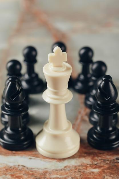 Concept d'entreprise d'échecs, leader et succès. Photo Premium