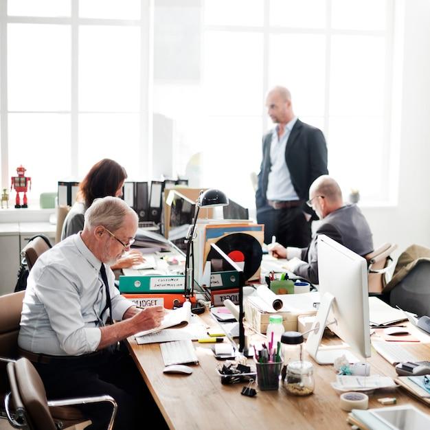 Concept d'entreprise de travail entreprise gens gens lieu de travail Photo Premium