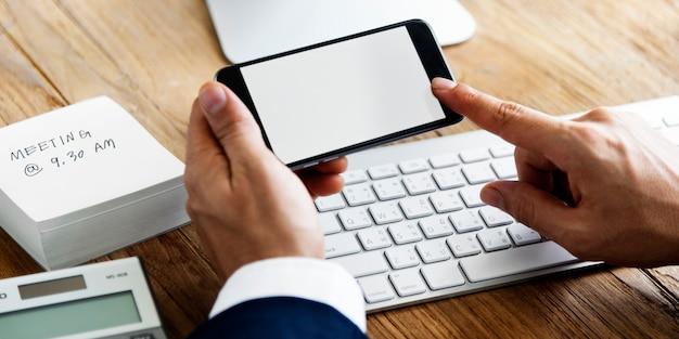 Concept d'espace de travail pour les appareils numériques d'analyse comptable Photo Premium