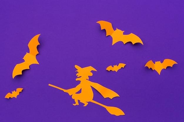 Concept d'halloween et de décoration - battes de papier volant Photo Premium