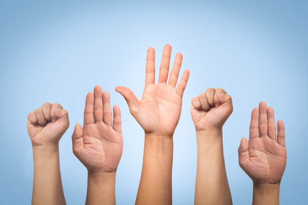 Concept de la journée internationale des droits de l'homme, lever la main levée Photo Premium