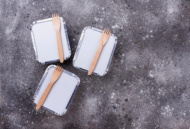 Concept De Livraison De Nourriture. Déjeuner En Conteneur Photo Premium