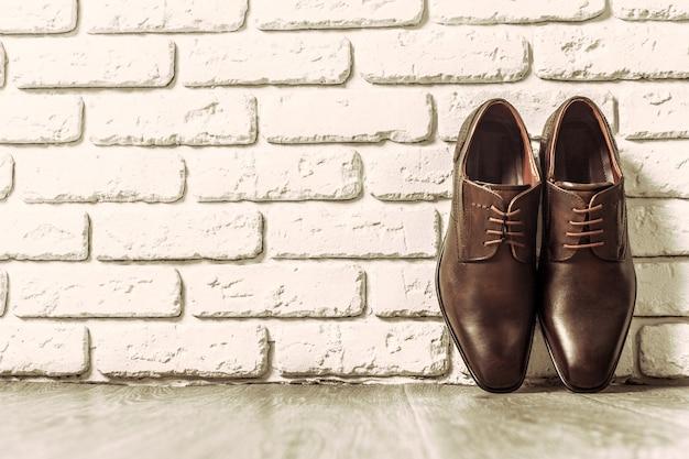 Concept de mode avec des chaussures pour hommes Photo Premium