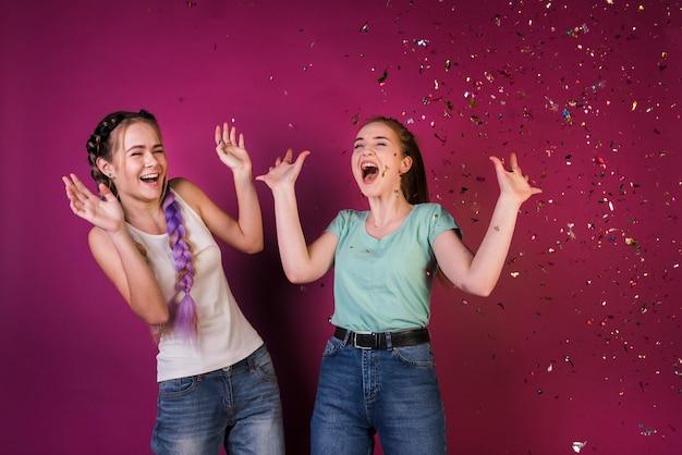 Concept de mode de vie des amis adolescents Photo gratuit