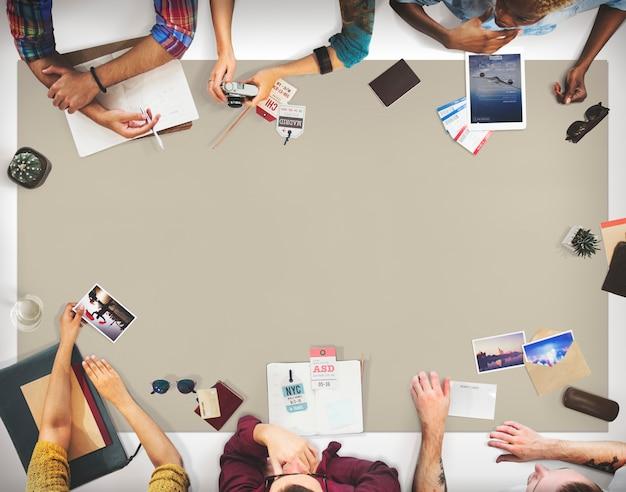 Concept de planification des discussions sur les déplacements des équipes Photo Premium